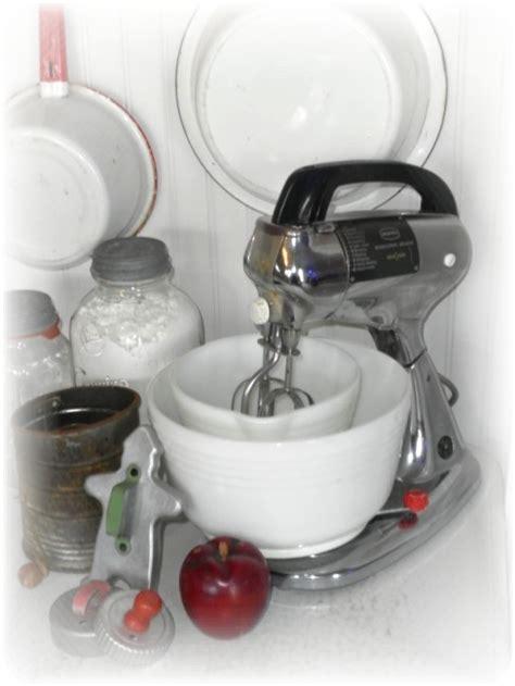 kitsch kitchen accessories vintage kitchen decor retro kitsch country kitchen decor 3582