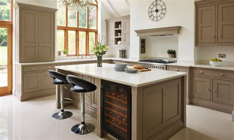 b q country style kitchen why country cool is back in for the kitchen the independent 4218