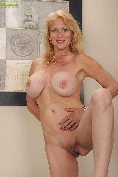 Mature Blonde With Huge Round Boobs Getting Nude And Demonstrating Her Gash Pornpics Com