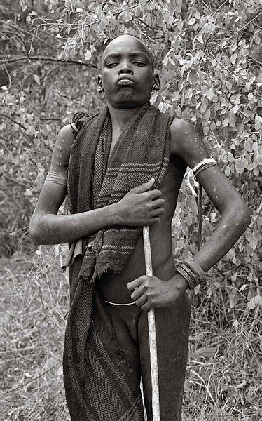 filemursi boy ethiopia jpg wikimedia commons