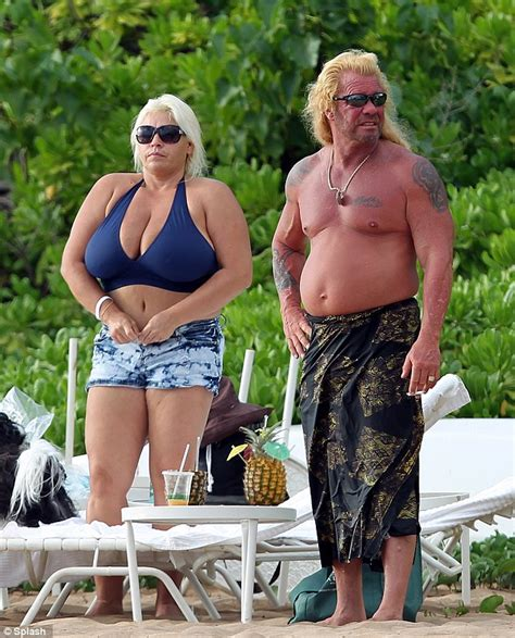dog the bounty hunter and his wife let it all hang loose