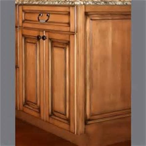 how to glaze oak cabinets distressed glazed oak kitchen cabinets bing images