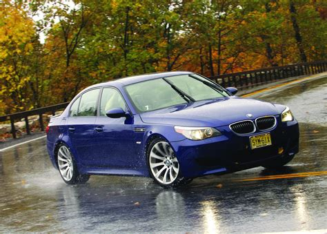 2006 bmw m5 top speed