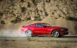 Ford Mustang 2013 : 2013 ford mustang gt premium first test motor trend ~ Melissatoandfro.com Idées de Décoration