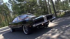 Loud 1969 Dodge Charger R  T - Amazing V8 Sound