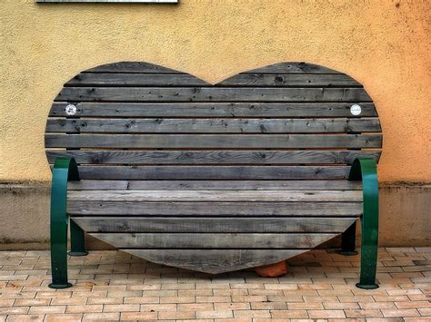 bench heart shape bank  photo  pixabay
