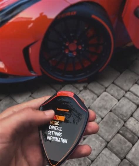 koenigsegg car key koenigsegg smart key concept has a touchscreen can