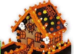 Halloween Gingerbread House Idea