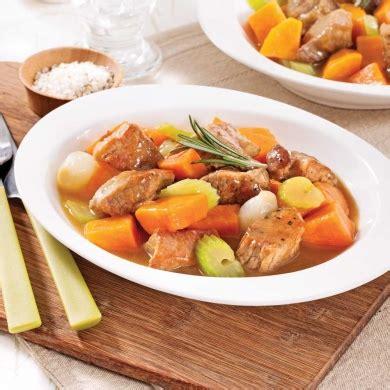 comment cuisiner les patates douces recettes mijoté de porc à la patate douce recettes cuisine et