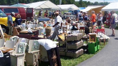 "Chattanooga Takes Part In ""the World's Longest Yard Sale"