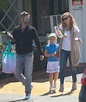 Amy Adams and Darren Le Gallo take Aviana to tennis lesson ...
