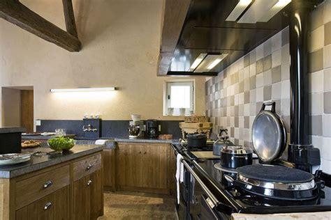 cr馥r sa cuisine credence cuisine imitation carrelage maison design bahbe com