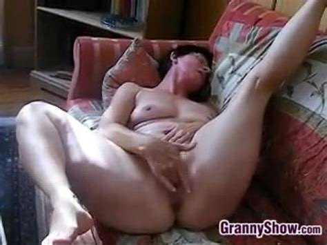 Horny Granny Rubs Her Clit And Pussy Xvideos Com