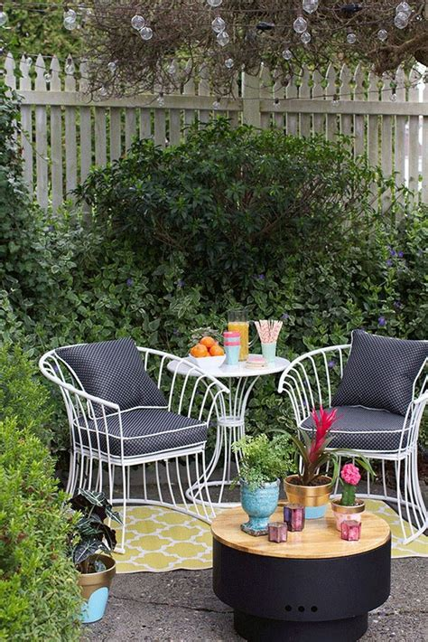 Decorating Ideas For Patios by Best 25 Small Patio Furniture Ideas On Patio