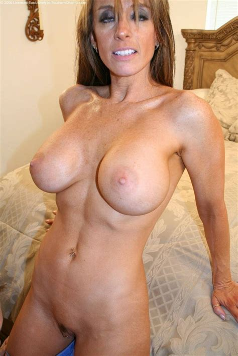 402321968  In Gallery Some Milf Cougar And Grannies Picture 3 Uploaded By Istillgotit On
