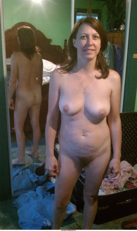 nude pics of a sexy mature wife with great poise wifebucket offical milf blog