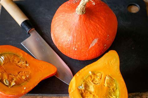 cuisiner le potiron eplucher et préparer un potiron une courge un potimarron