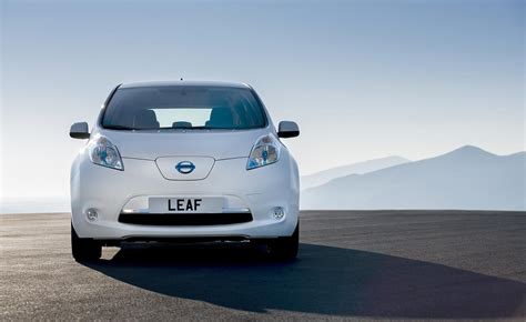 What Electric Car Has The Best Range by A New Leaf Nissan S Remodelled Electric Car Wallpaper