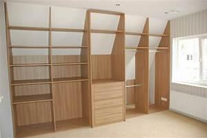 Kleiderschrank In Dachschräge : begehbarer kleiderschrank unter dachschr ge ideen und planungstipps ~ Sanjose-hotels-ca.com Haus und Dekorationen