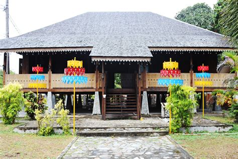 belitung traditional house  genuine tradition captured