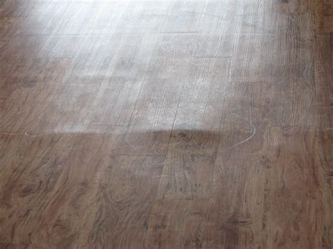 Laminate Flooring Bubbles Due To Water by Causes Of Common Laminate Flooring Problems Tri County