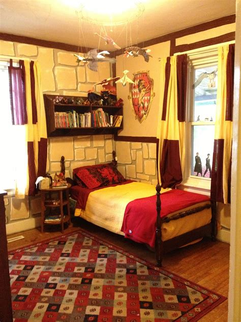 Harry Potter Bedroom Ideas by Harry Potter Gryffindor Bedroom I M 25 And Would Still