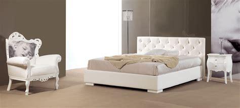 canapé capitonné cuir lit avec tête de lit capitonné simili cuir