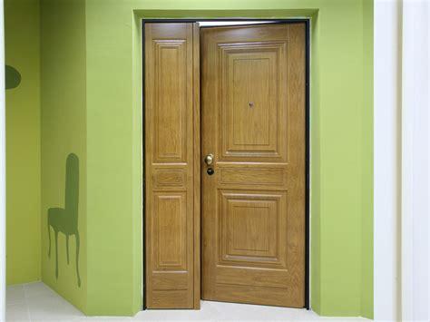 rivestimenti esterni in legno porta per esterni con rivestimento in legno