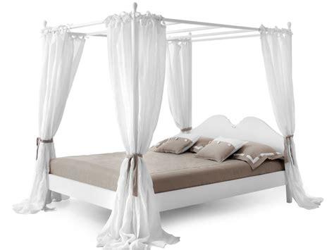 tende per letto a baldacchino letto a baldacchino ansouis con tende laterali collezione