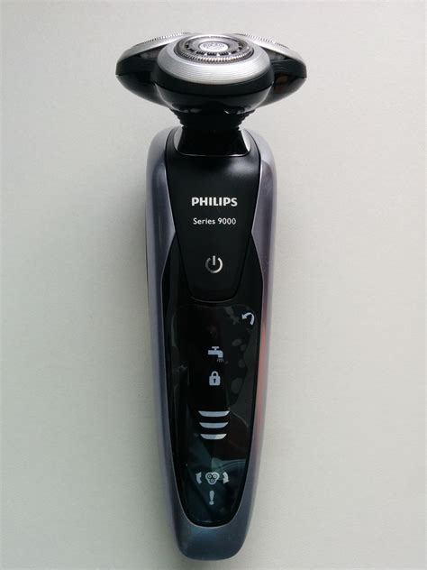 review philips shaver series  wet  dry electric