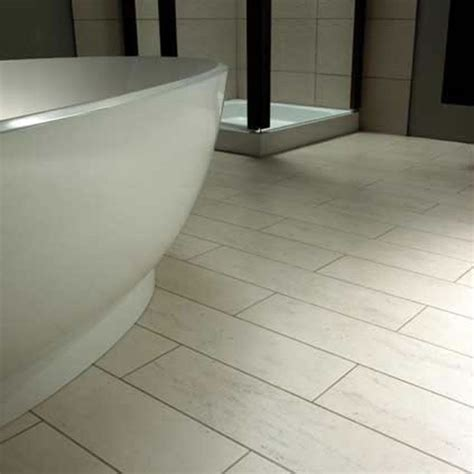 Flooring Ideas For Small Bathroom by 11 Best Vinyl Flooring And Light For Bathroom Images On