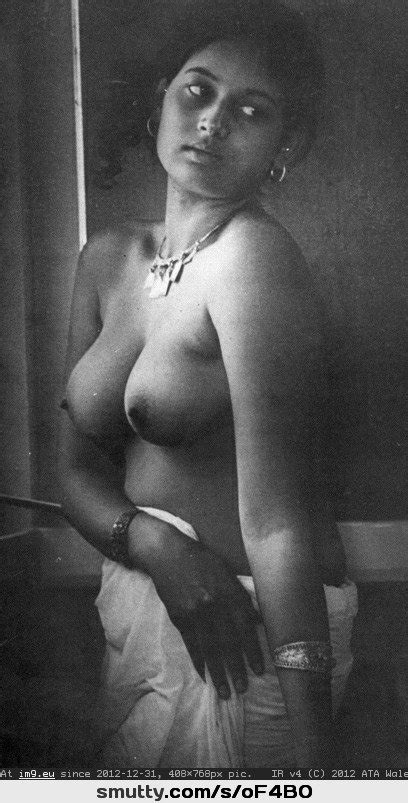 Desi Indian Vintage Topless Naturaltits
