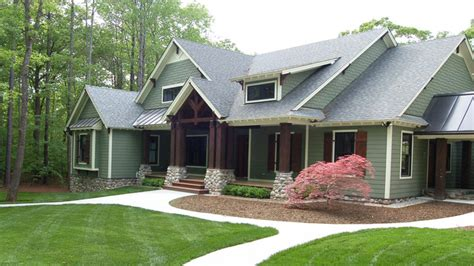 contemporary cedar homes cedar homes  craftsman exterior paint colors donald