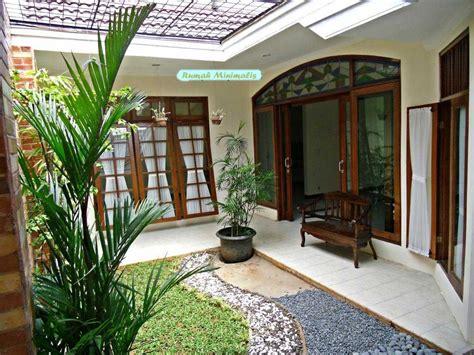 desain teras rumah minimalis batu alam taman hias