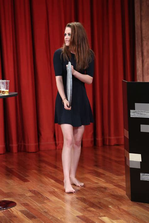 kristen stewart  late night  jimmy fallon  gotceleb