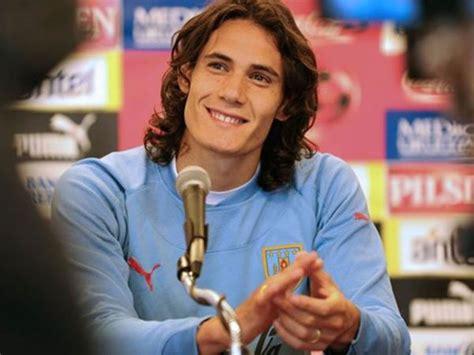 Edinson Cavani - Famous Uruguayan Footballer - Football ...