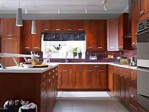 Instructions To Varnish Your Kitchen Cabinets