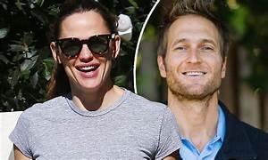 Jennifer Garner goes house hunting in LA as her rumored ...