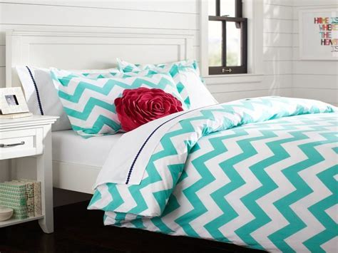 Blue bedding ideas, turquoise chevron bedding pink and
