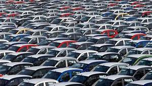 1 Lakh Job Cuts In Indian Auto Industry Per Month
