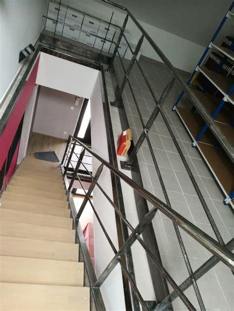 fabrication sur mesure et pose escalier fer forge droit marches en bois garde corps style