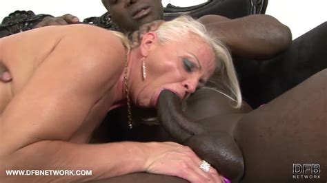 Mature Drilled By Black Guys Hardcore Interracial Anal On