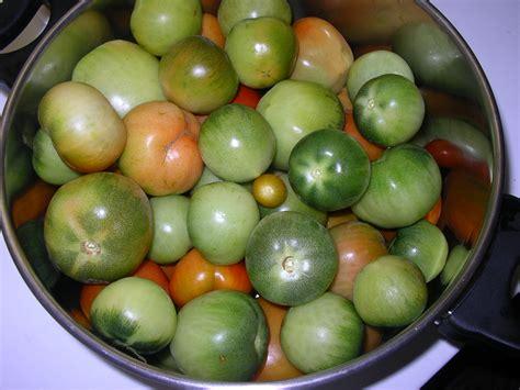 cuisiner les tomates vertes confiture de tomates vertes avec morceaux chez dodie