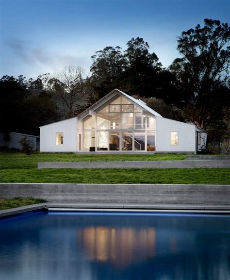 white barns white barn like house with modern features digsdigs