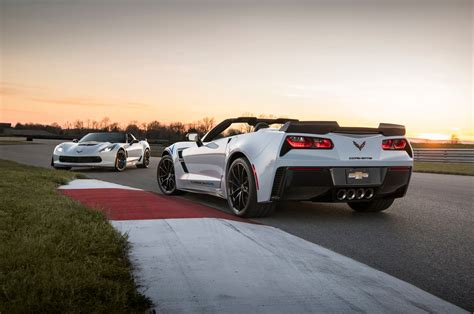 2018 Chevrolet Corvette Gets Carbon Fiber Package For 65th
