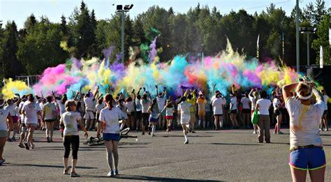 color run anchorage mountain pulse serious at the color run anchorage