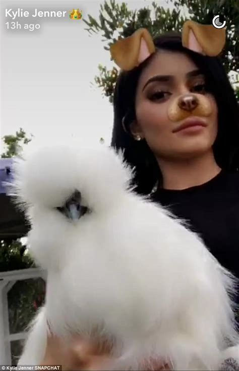 Kylie Jenner posts video to prove did not use Photoshop ...