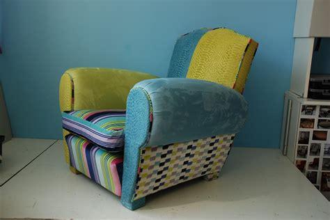 refaire un fauteuil en tissu refaire un fauteuil club en tissu table de lit