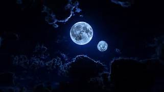 There were two moons o...