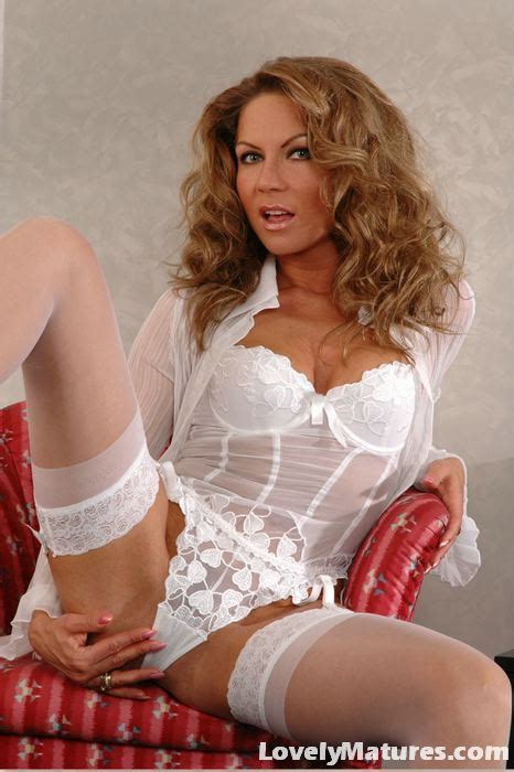 Super Naughty Milf Jessica Striptease Activity with White Lingerie - XXX Milfs